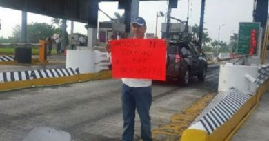 Exigen retirar caseta de peaje del Puente Tampico