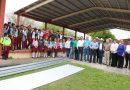 Cumple municipio con maestros y alumnos