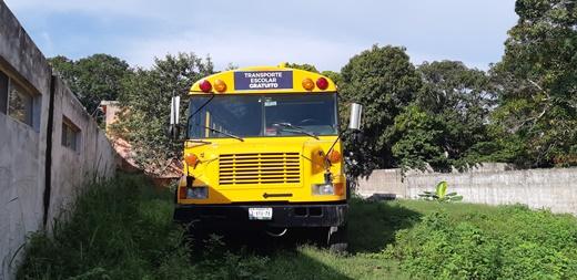 Dejan sin transporte a casi 300 estudiantes
